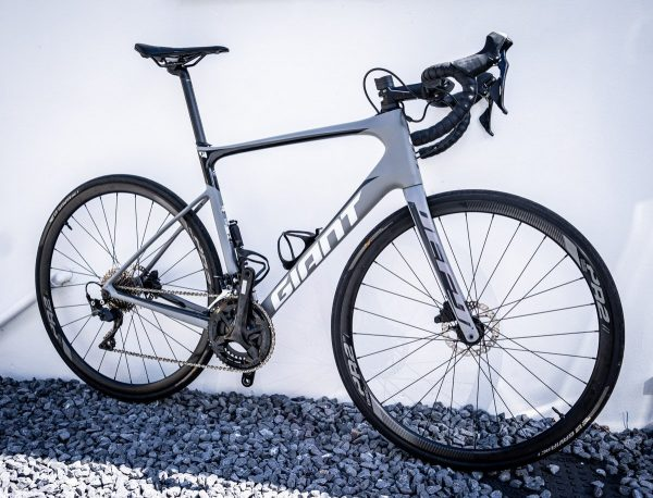 Giant Defy Advanced 2 Disc Size ML at Cycle Works Pembrokeshire